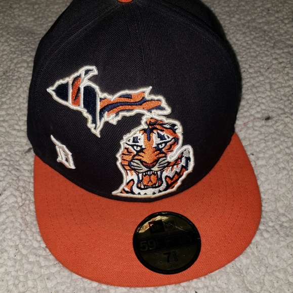 designer fashion d841f 19583 ... ireland detroit tigers fitted hat fc3f2 826cb best red ...